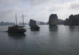 approaching boats on Ha Long Bay