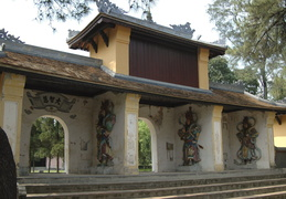 Entrance to the Thien Mu Pagoda