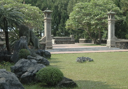 gardens on the grounds of Thien Mu Pagoda