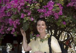 Meghan & flowers at Doi Suthep