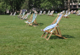 Seats in the sun, Hyde Park