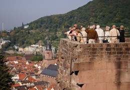 tourists at the Heidelberg Castle