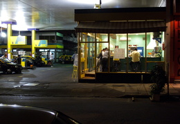 taxis & drivers refueling