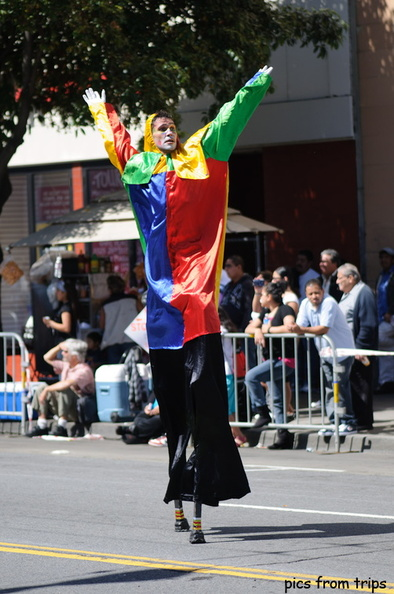 joker on stilts2010d14c069.jpg